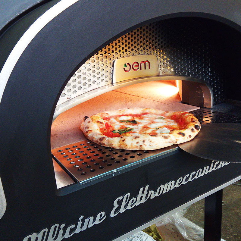 OEM-Dome-Pizza-Oven-Closeup.jpg